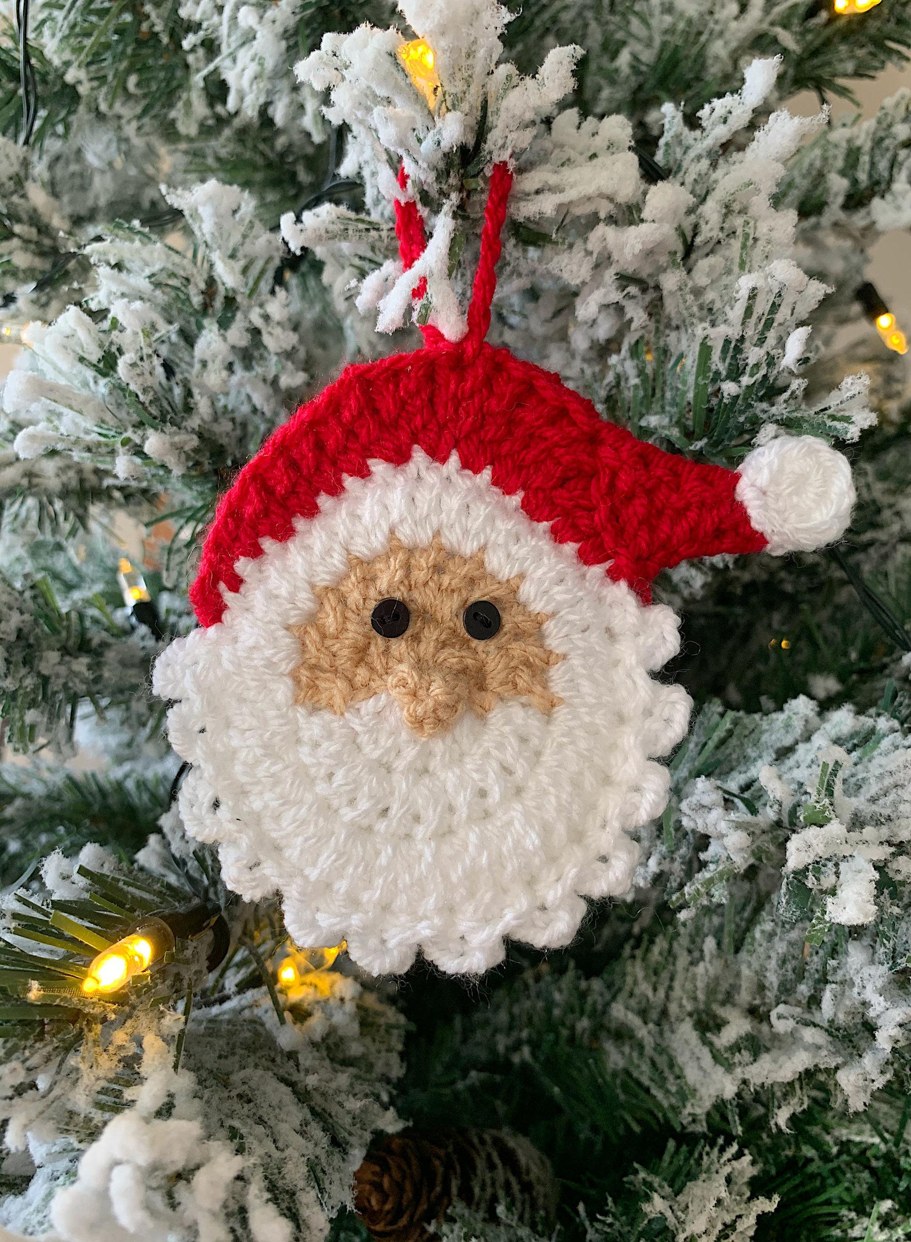 Santa on tree2